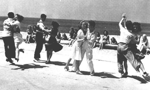 Taniec Collegiate Shag na plaży