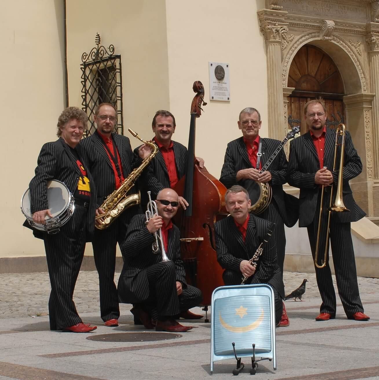 Leliwa Jazz Band w Fabryce Trzciny. Impreza Swing w Fabryce organizowana przez Studio Tańca Swingowego SWINGOUT.PL